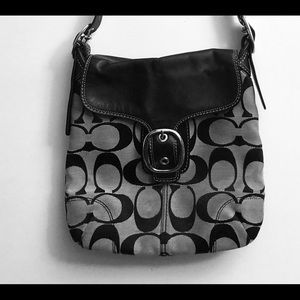 Coach leather/fabric purse lightly used condition
